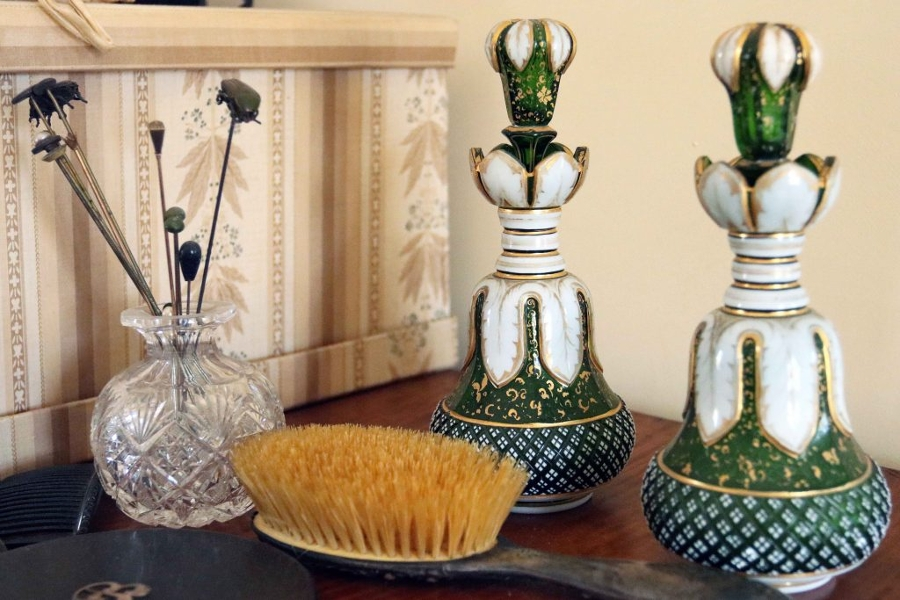 Wylie House vases brush