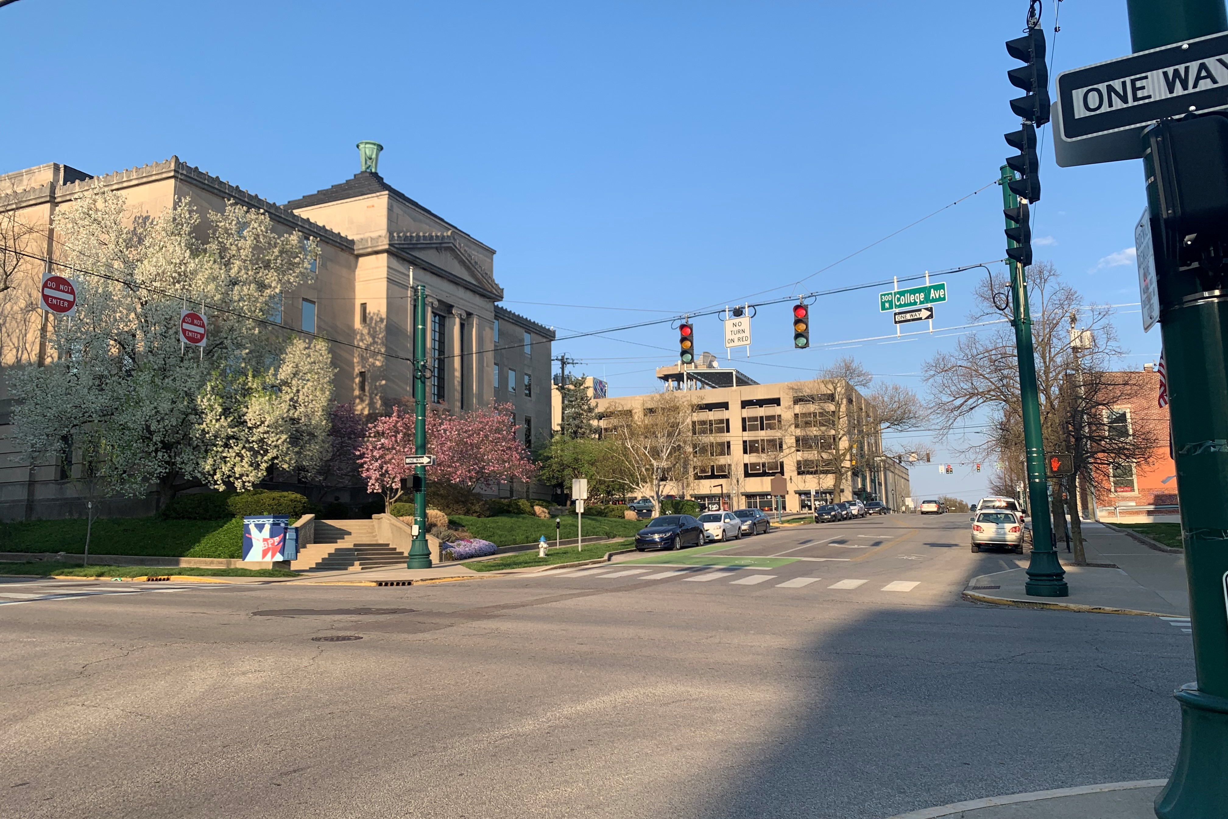 A photo of the College Avenue and 7th Street intersection in downtown Bloomington.