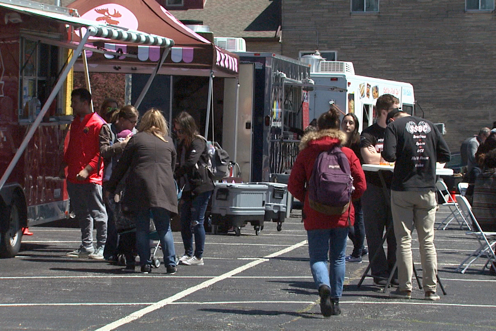 Food Truck Fridays Return to Downtown Bloomington