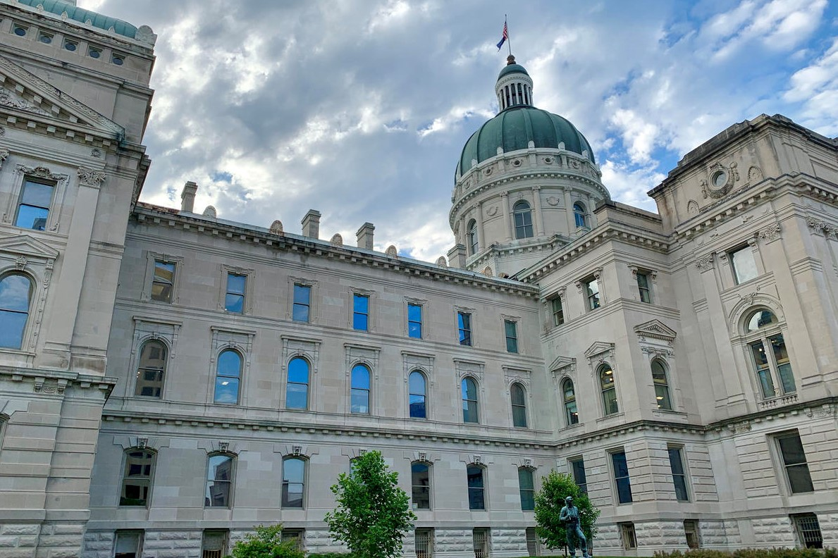 The Indiana Statehouse in the summer.