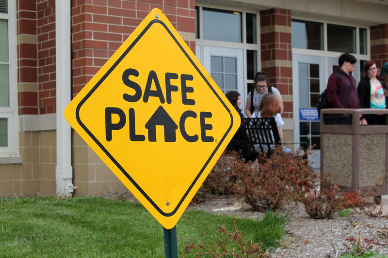 safe school sign