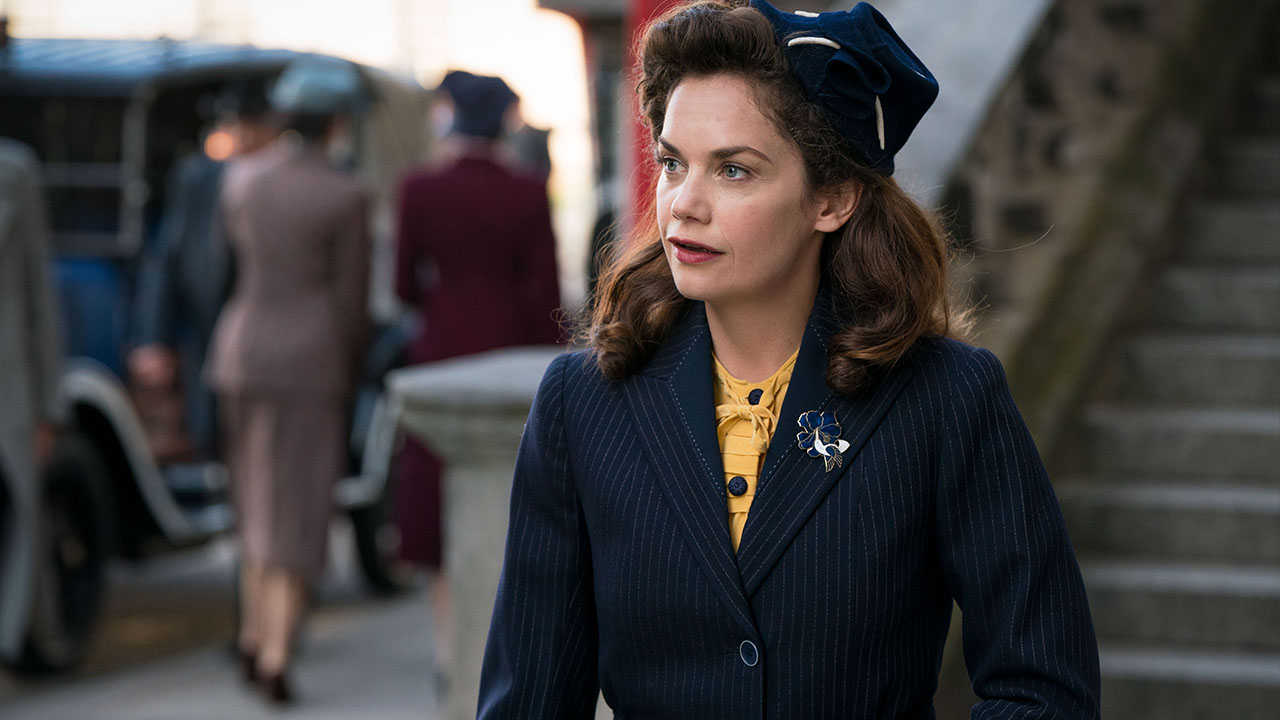 Ruth Wilson in Mrs. Wilson