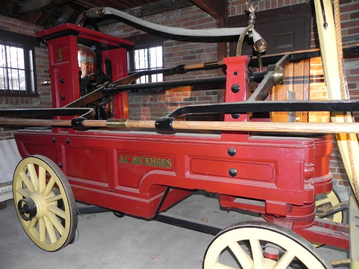nineteenth-century fire engine