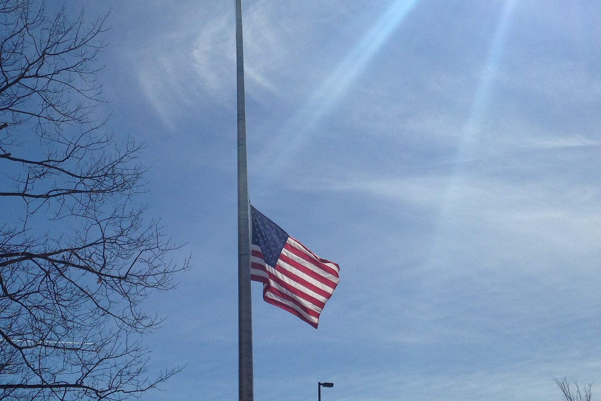 US_flag_at_half_staff_.jpg