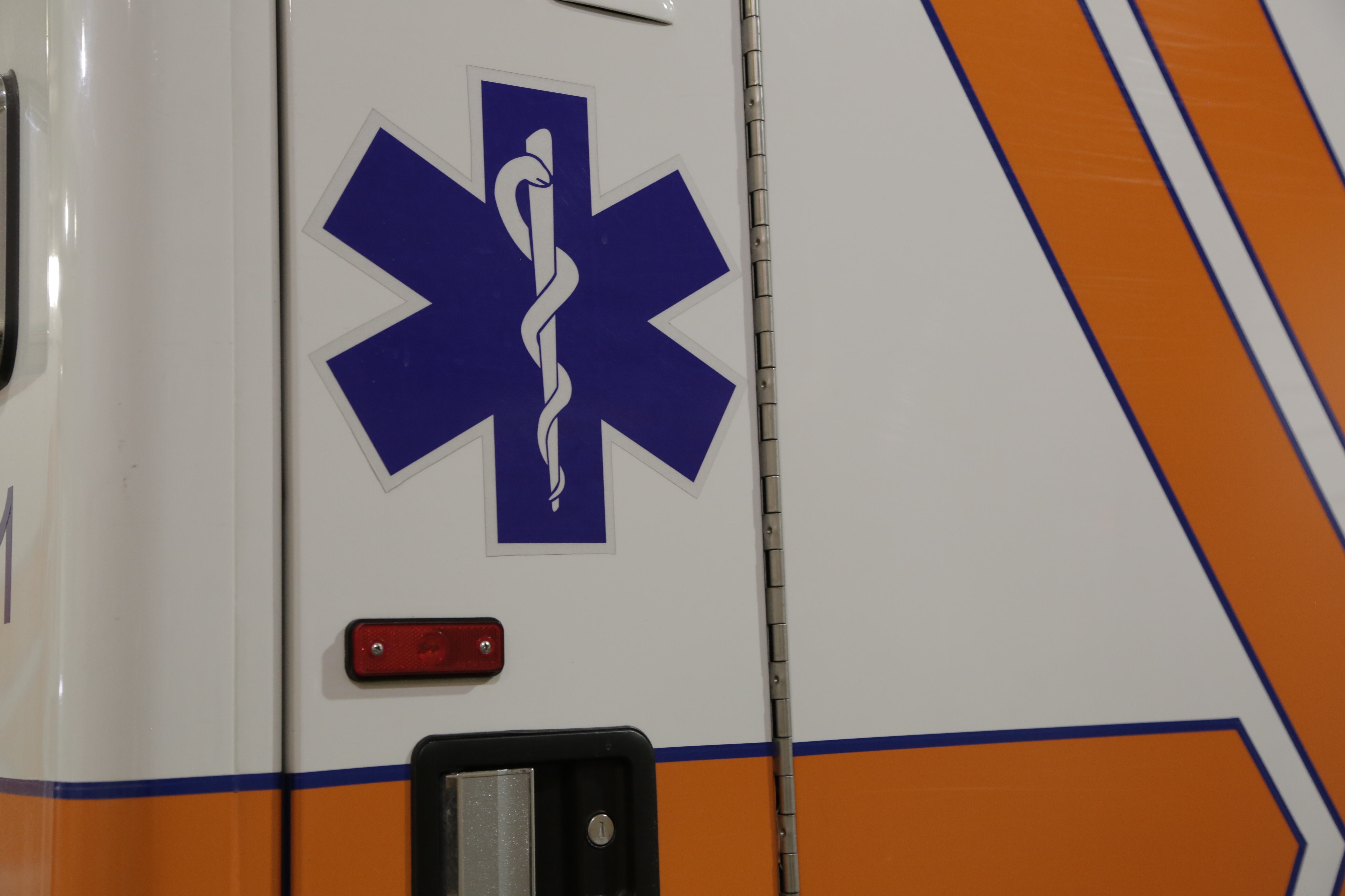 ambulance-close-up_becca-costello_1u4a9817.jpg