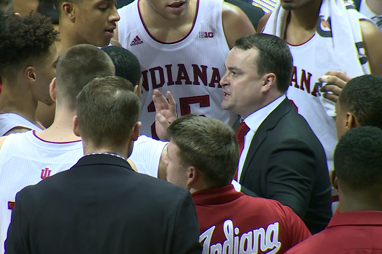archie-yelling-at-team-during-last-timeout-2nd-ot_sb.jpg