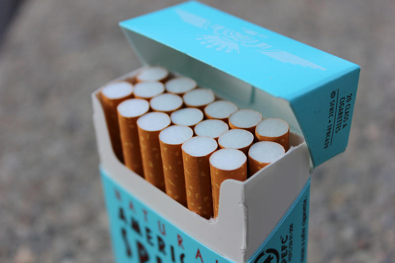 cigarette_pack-wikimedia_commons.jpg