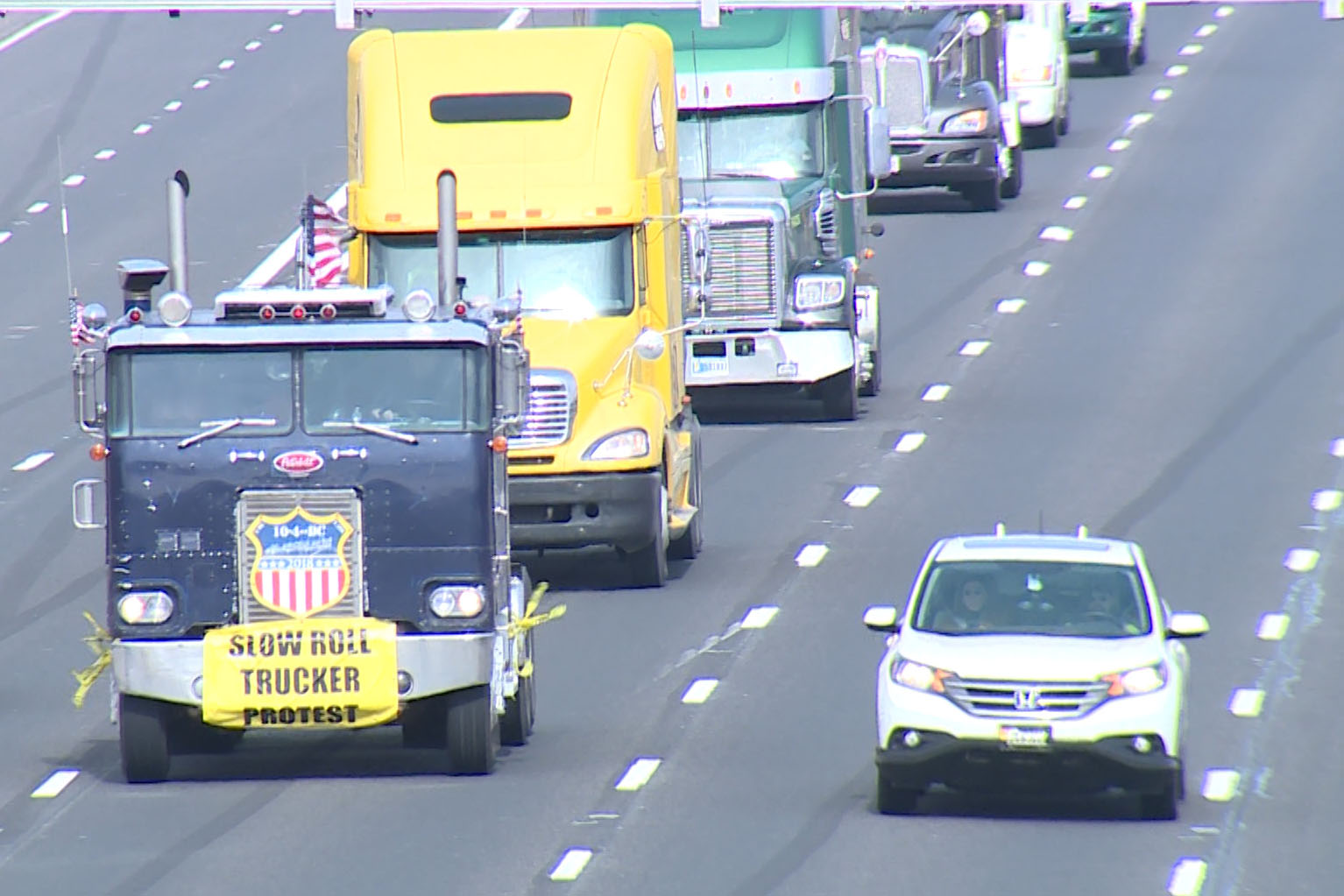 The drivers cruised at slow 45 mph on I-465.