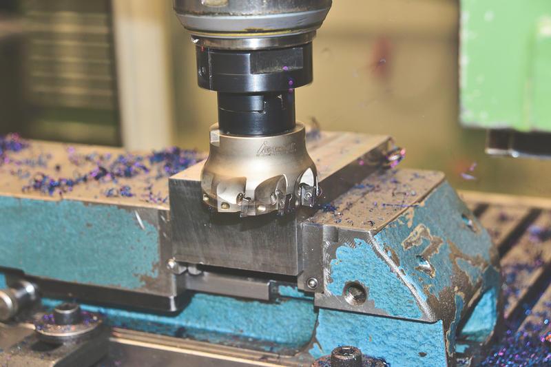 milling-cutters-3738903.jpg