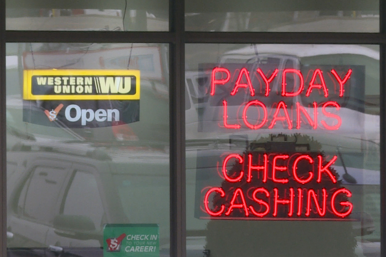 payday-loans-window-sign.jpg