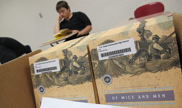 "Students read ""Of Mice and Men"" in an Indianapolis high school English class."