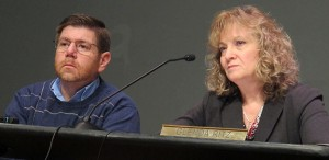 State Board of Education member Brad Oliver and state superintendent Glenda Ritz listen during a January 2014 meeting.
