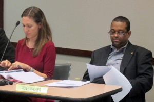 At the January meeting, board members Sarah O'Brien, left, and Tony Walker expressed their support for the Common Core standards.