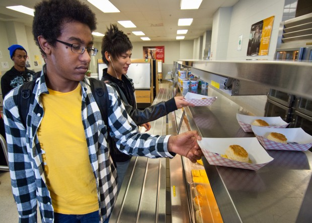 In this 2011 photo, students at Washington-Lee High School in Arlington, VA select their breakfast. A proposed congressional bill would tighten eligibility requirements for free- and reduced-school meals. (USDA/Flickr)