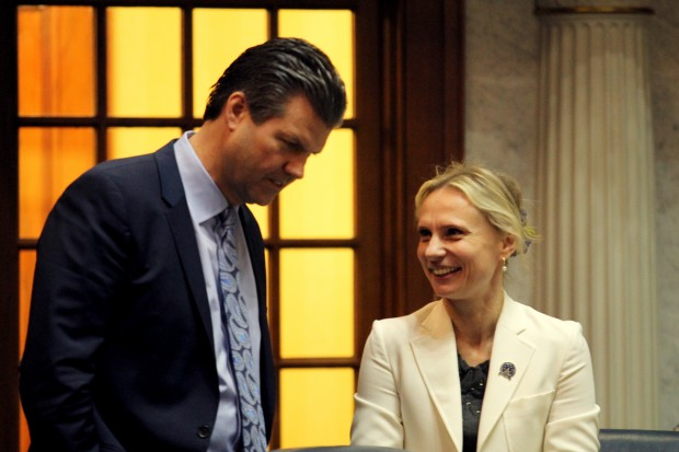 Sen. Ryan Mishler chats with Sen. Victoria Spartz in the chamber. (Lauren Chapman/IPB News)