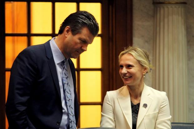 Sen. Ryan Mishler chats with Sen. Victoria Spartz in the chamber. (Lauren Chapman/IPB News)