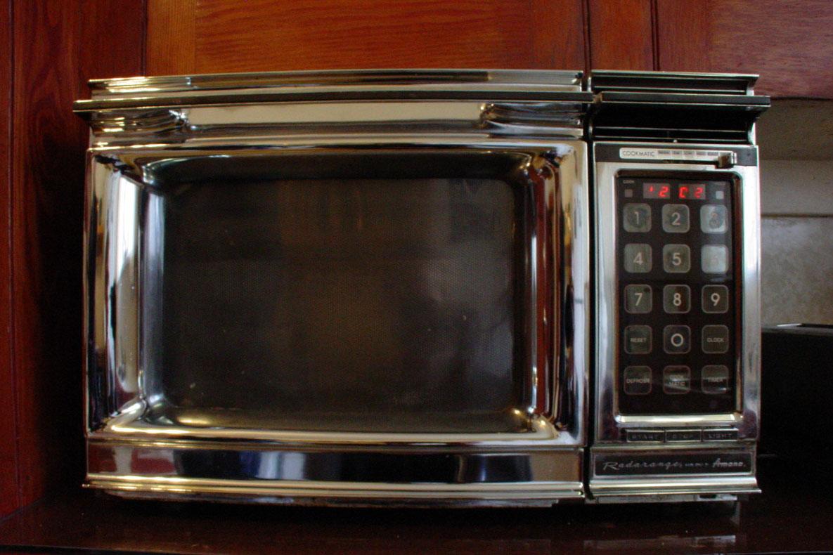 retro microwave oven