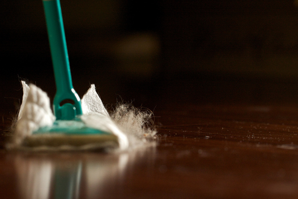 Using a dust mop to dust