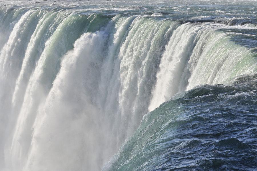 niagra falls up close