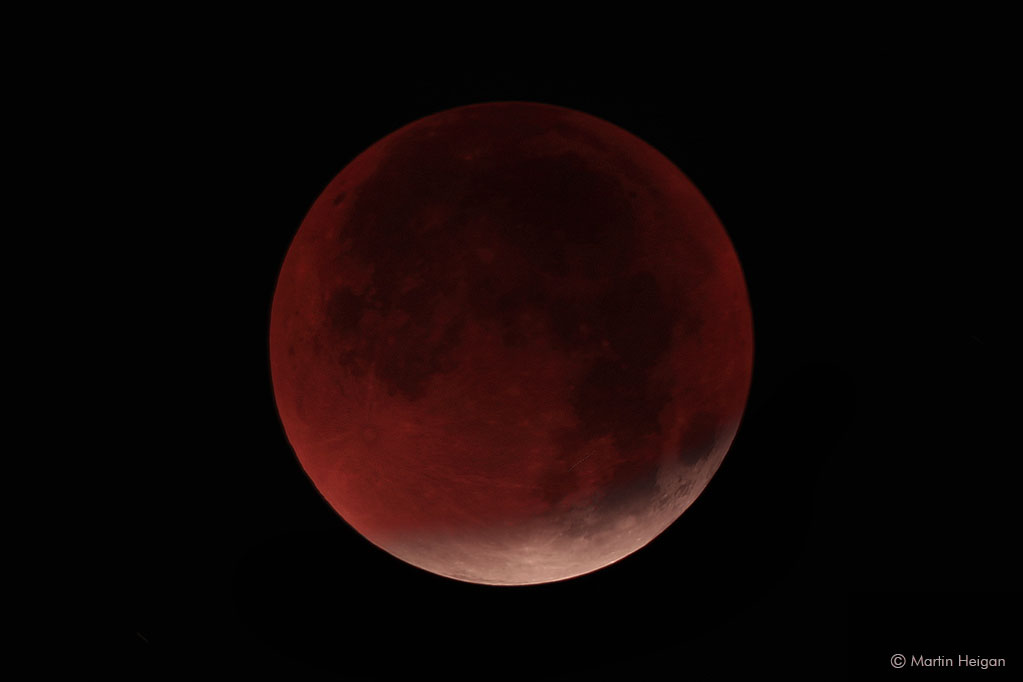 a super blood moon