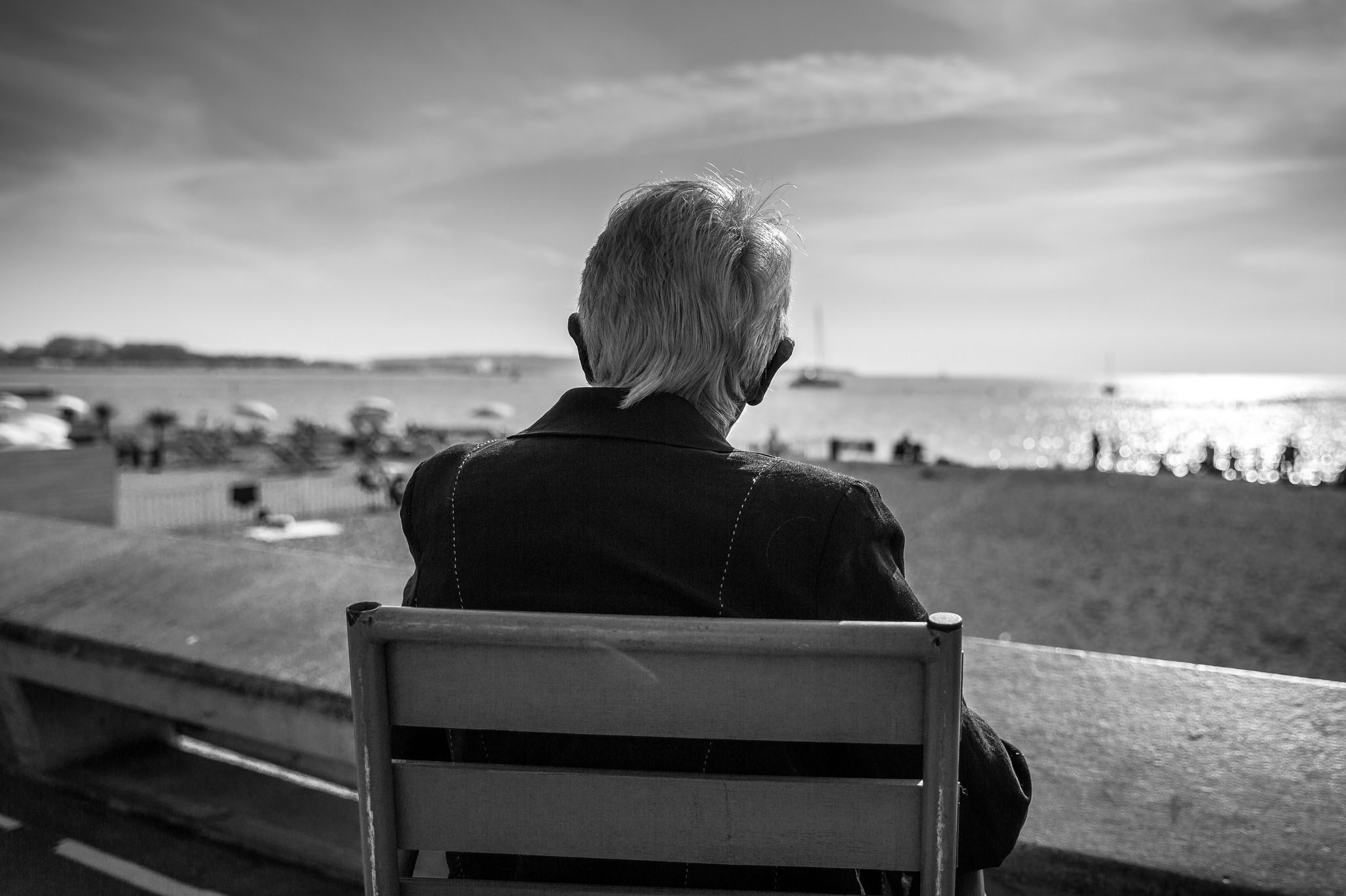 Loneliness has been linked to increased risk of type 2 diabetes, dementia, and heart issues. (Franck Michel, Flickr)