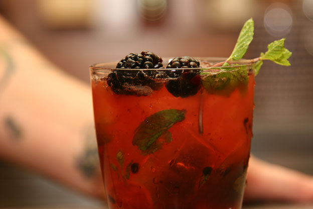 blackberry and mint tonic
