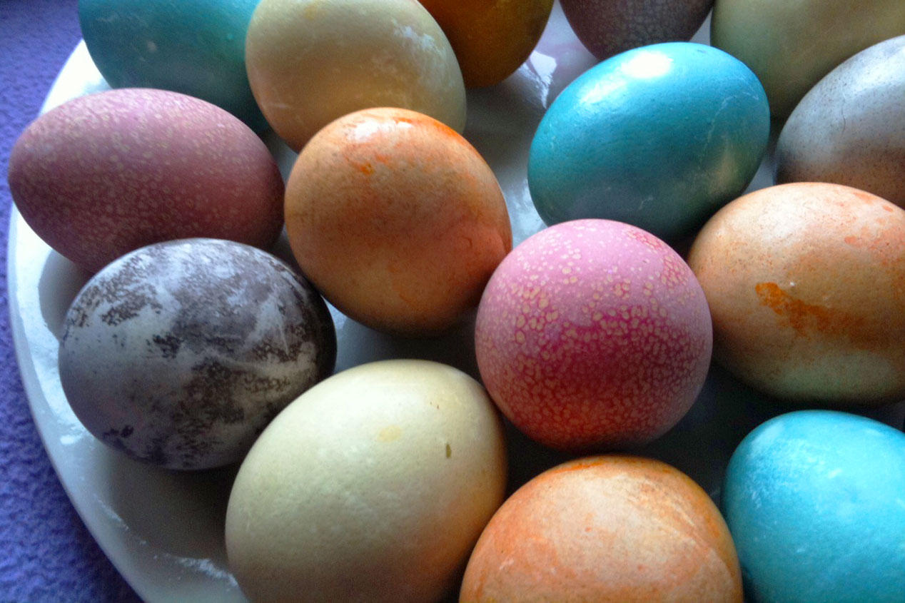 Homemade Dyed Easter Eggs