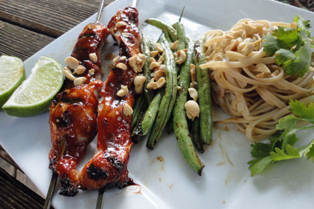 Pork Skewers with noodles and vegetables