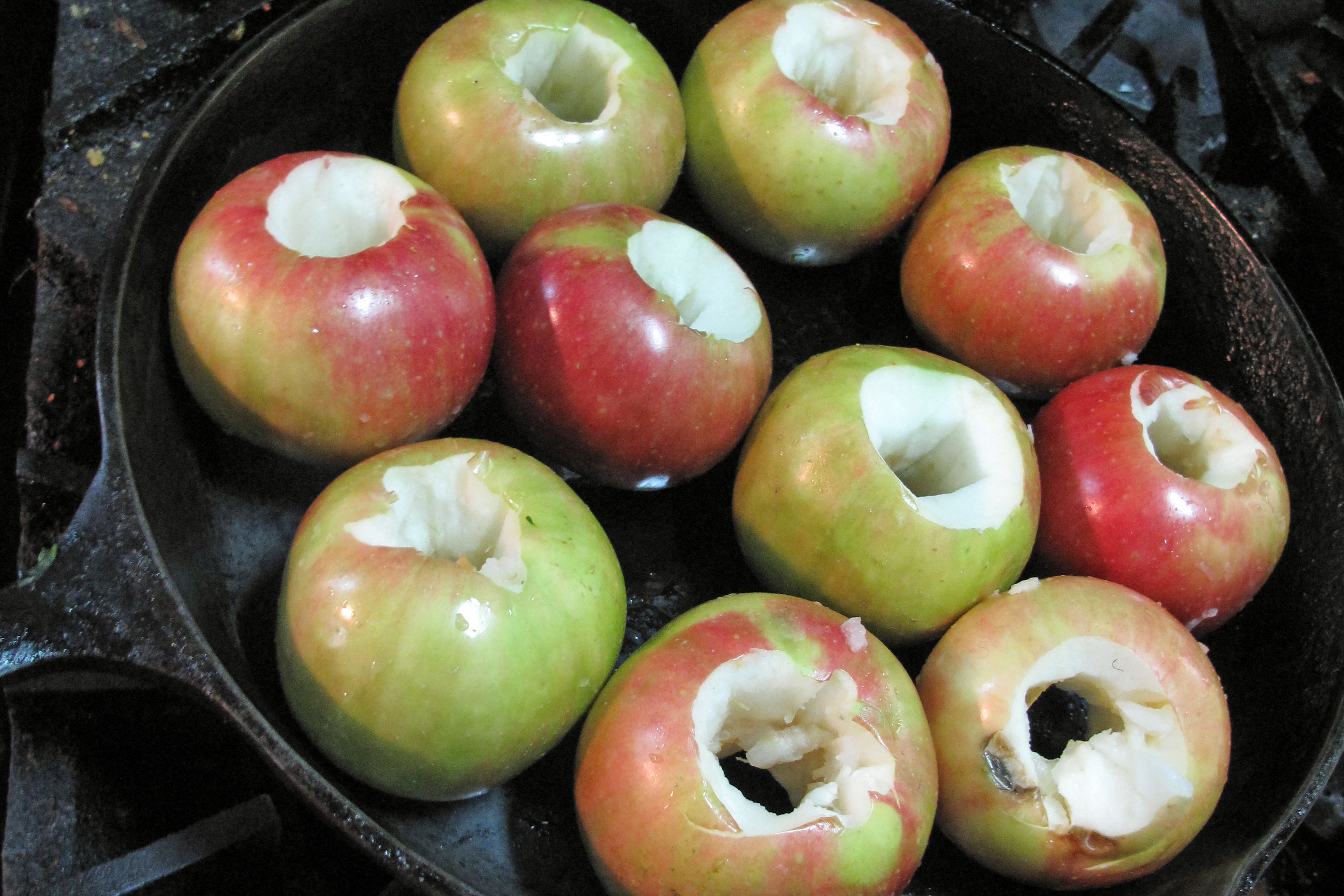 Apples In A Cast Iron Skillet
