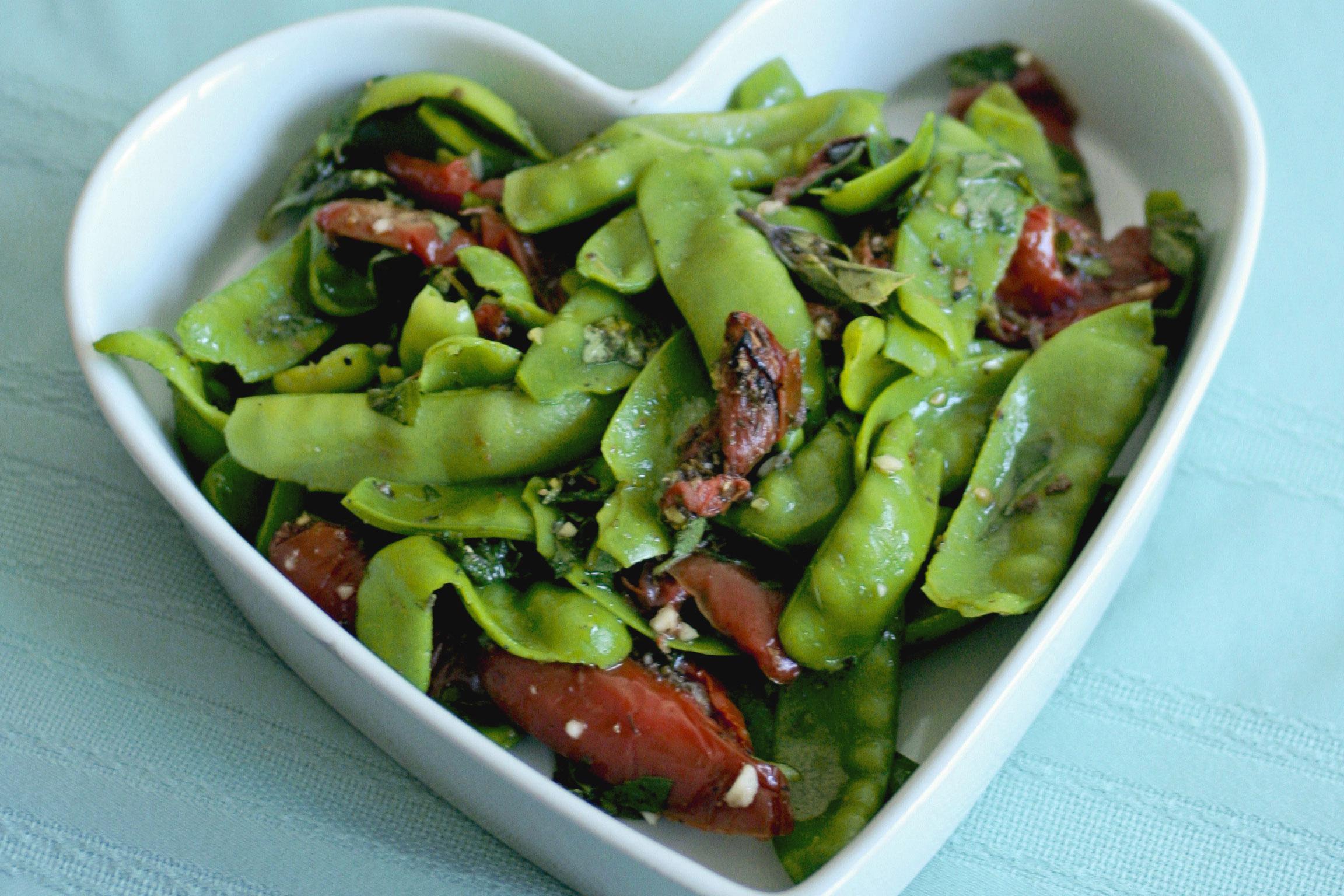 Snow-Peas-Tomatoes-Salad