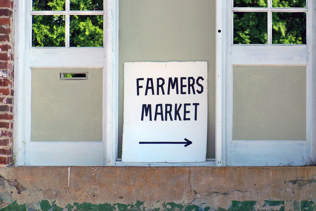 farmers market this way