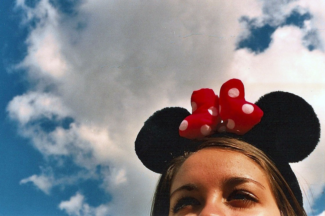 girl in minnie mouse ears