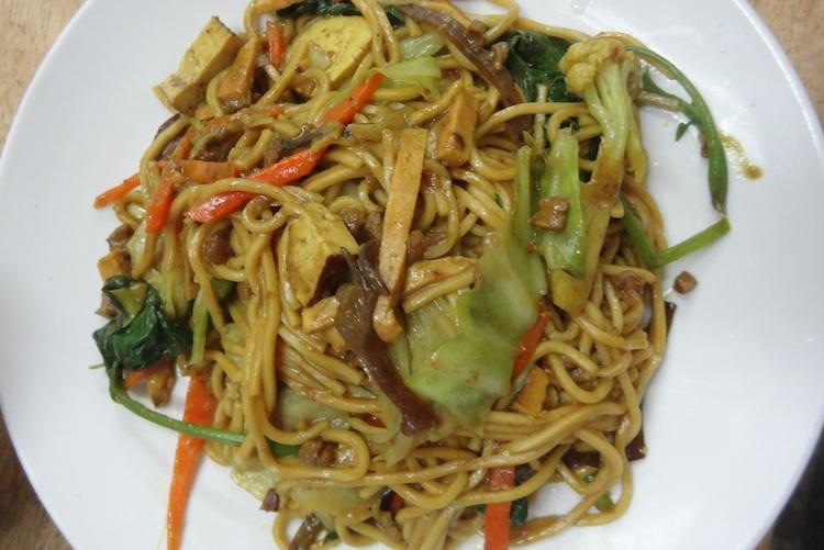 close up noodle stir fry
