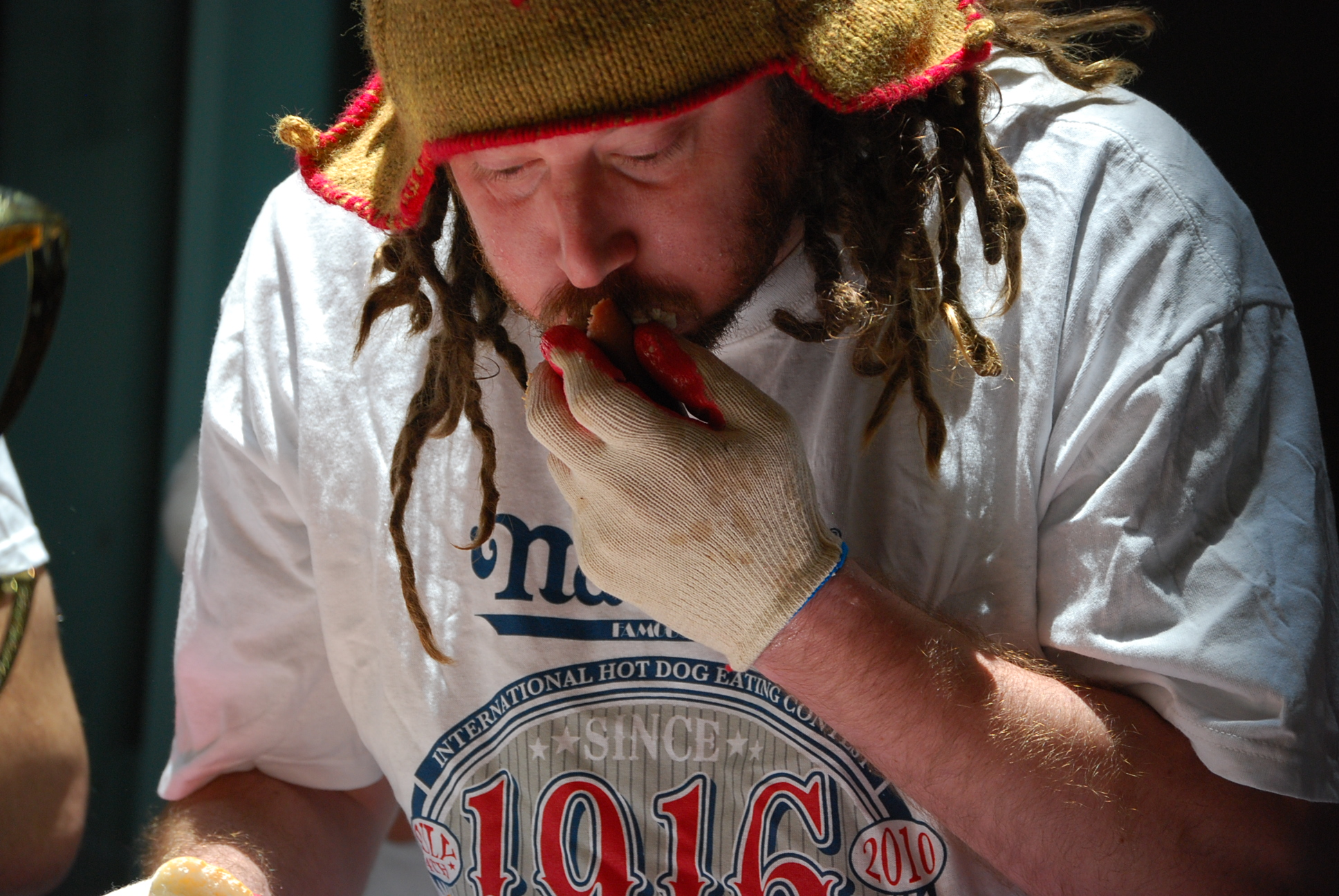 hot dog eating contestant