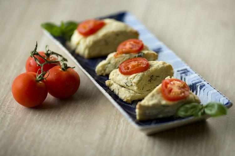 tomato basil scones