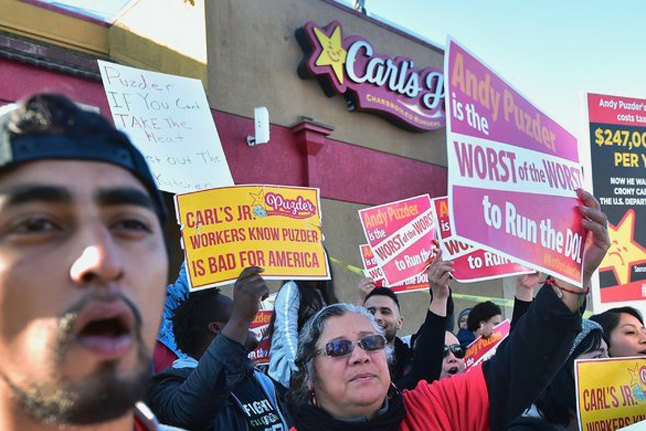 fast food workers protesting