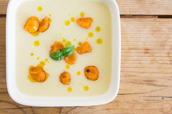vegan corn and leek soup
