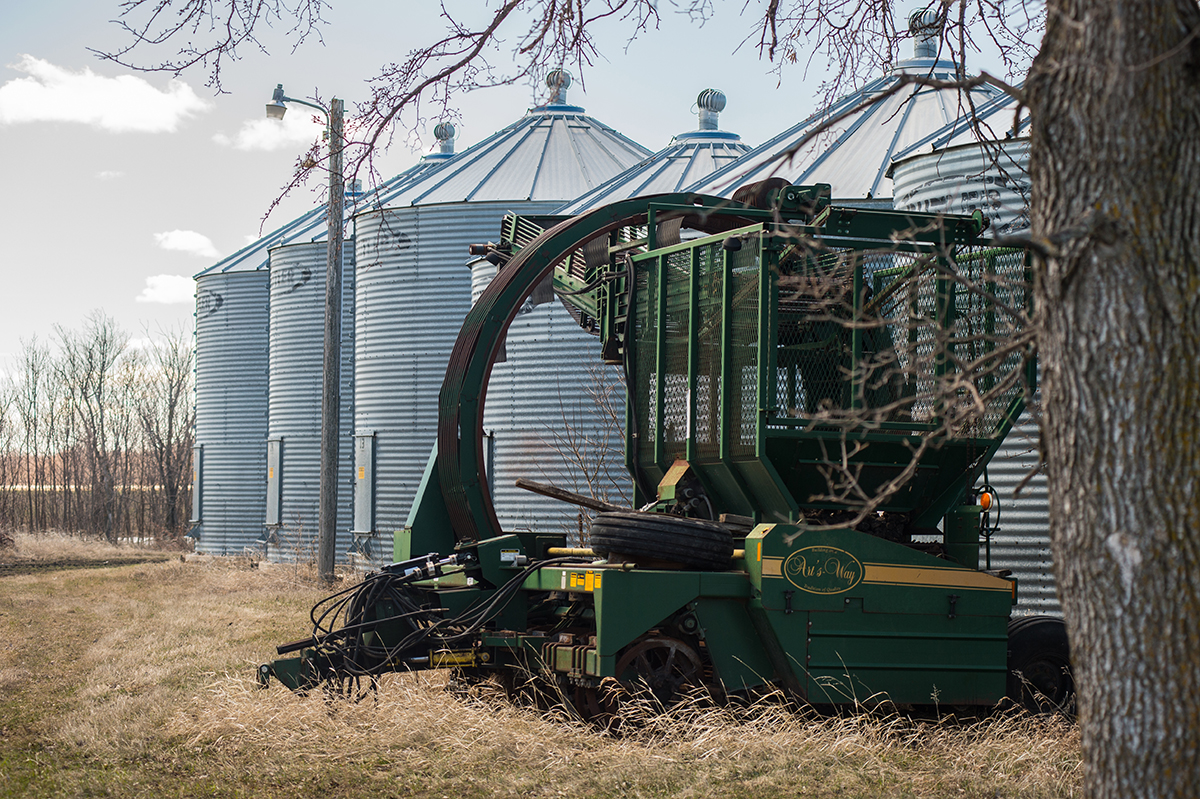 Bins and equipment at the Jeff Hoff farmstead in Perley, MN (Lance Cheung/USDA)