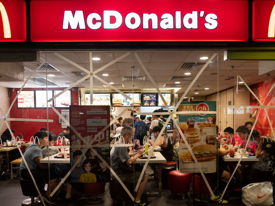 More kids are eating at fast-food chains like McDonald's, according to a new study, but parents are buying the healthier side options only about half the time. (Miguel Candela/SOPA Images/LightRocket via Getty Images)