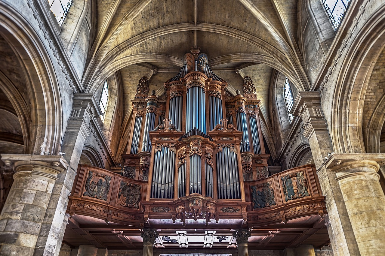 We're putting the pedal to the... choir loft in this all-organ episode!