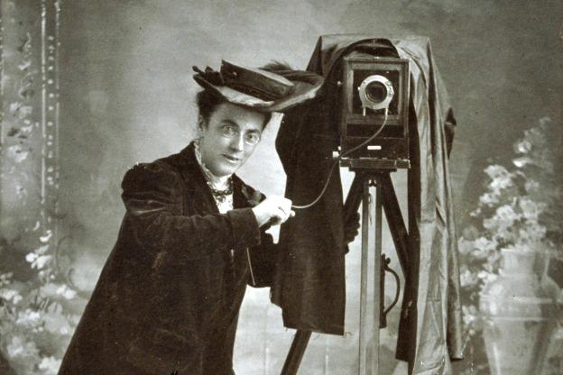 early women photographers