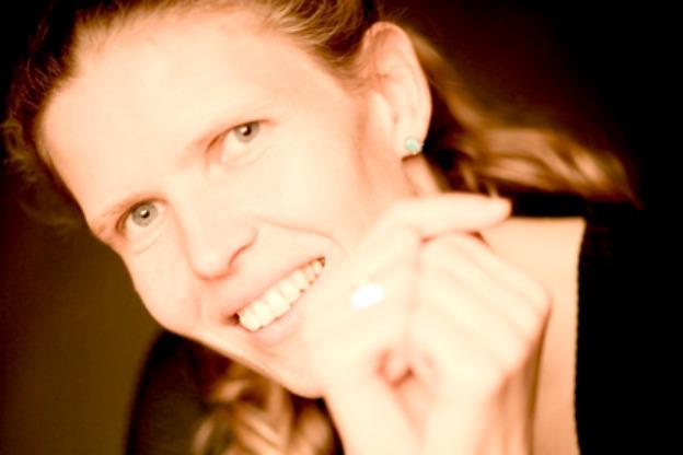 Cellist, Kristin van der Goltz.