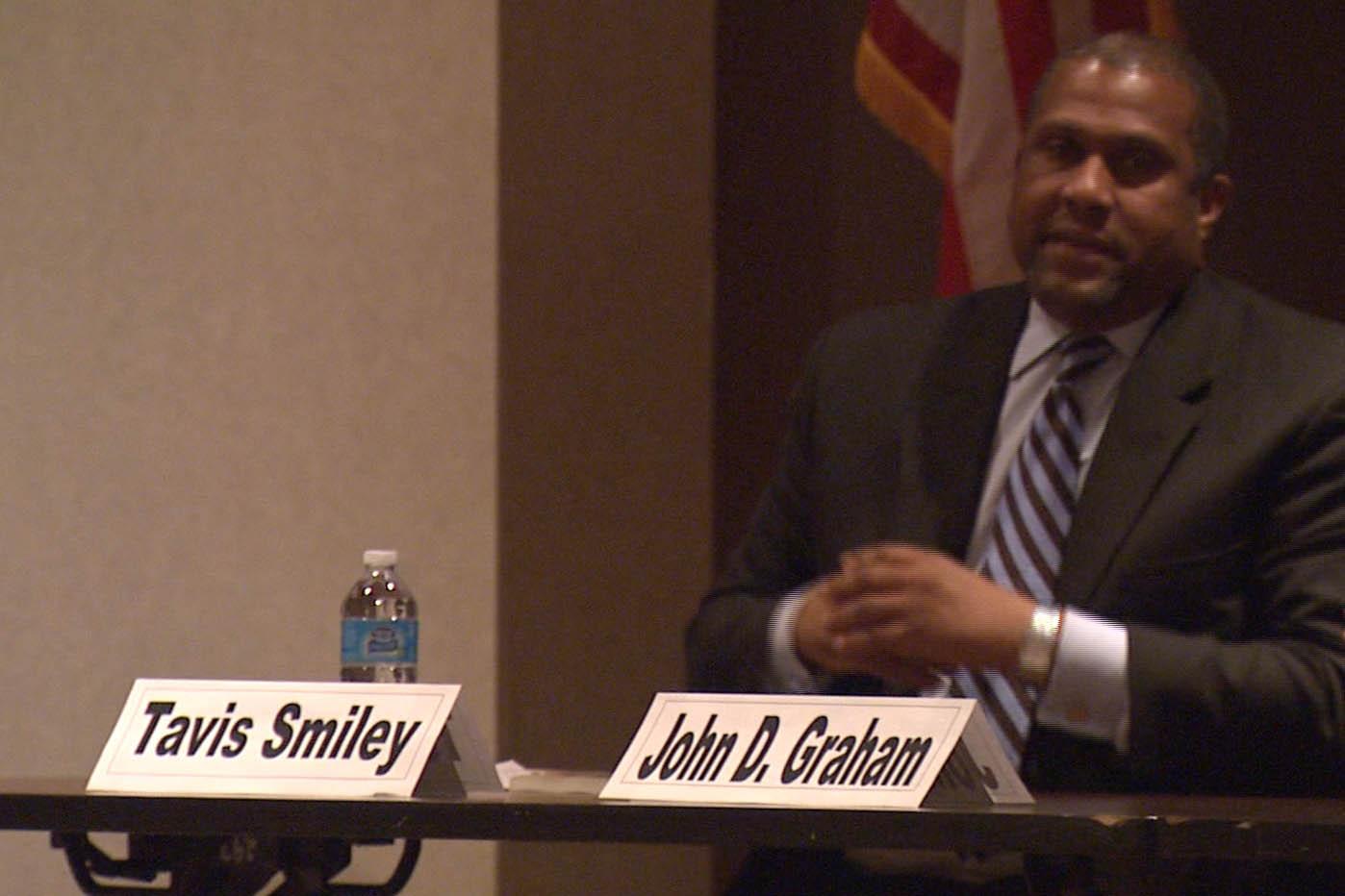 IU Alum Tavis Smiley in Indianapolis at poverty panel.