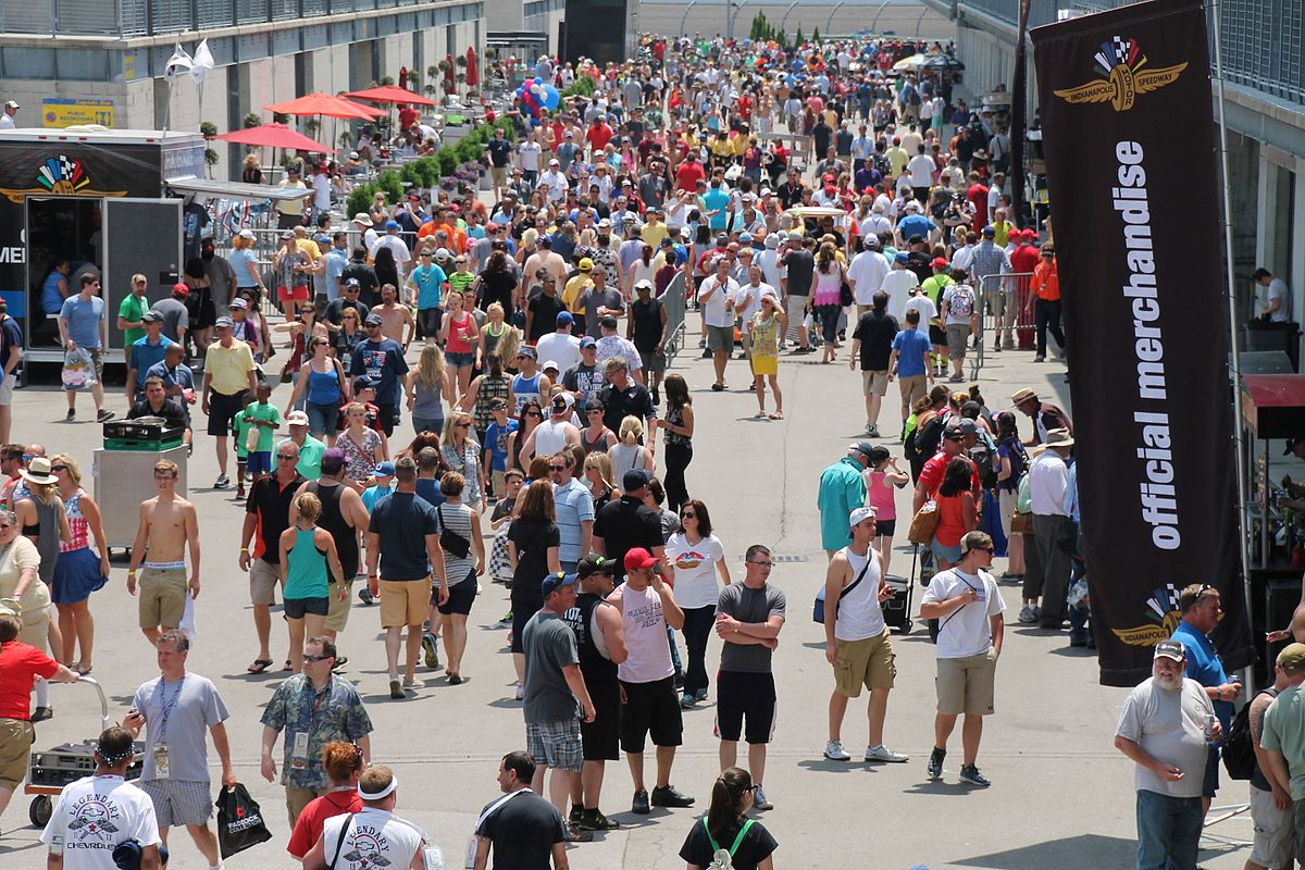 Fans at the 2015 Indianapolis 500.
