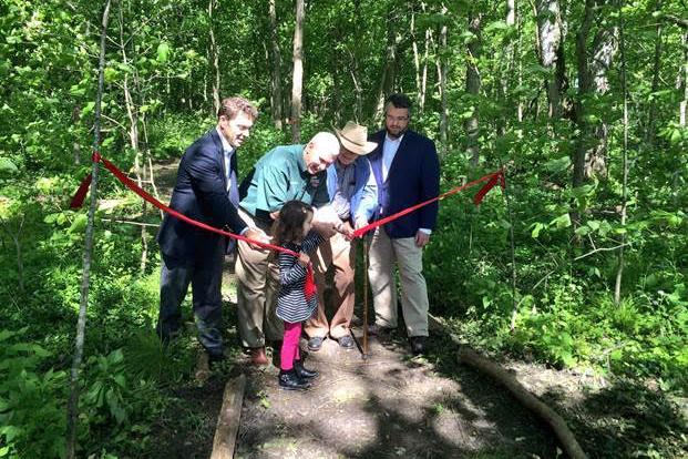Gov. Pence dedicating Meltzer forest.