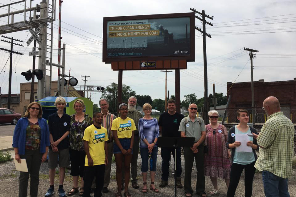 The Sierra Club unveiled a new billboard in Muncie, urging for the Rockport I&M facility to be closed.
