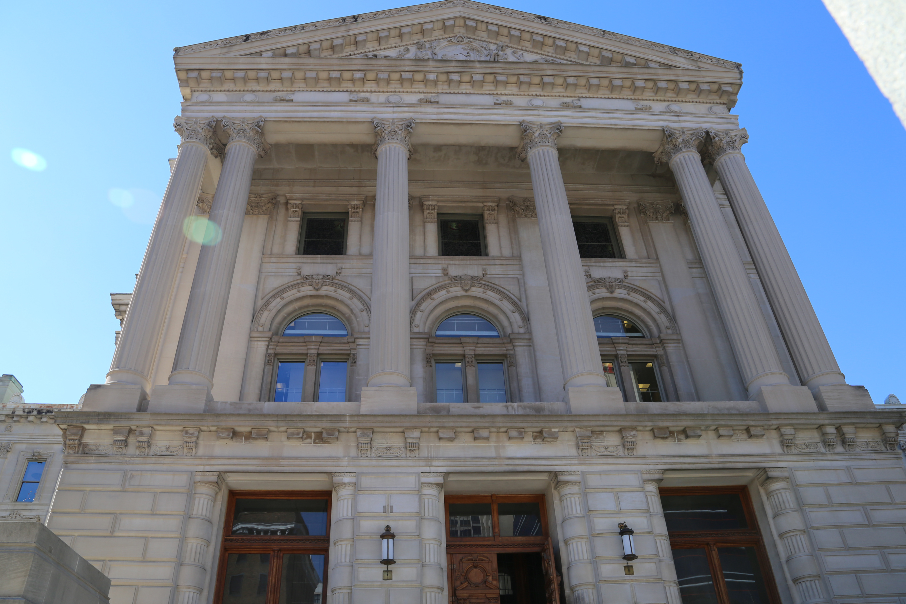 Statehouse main entrance