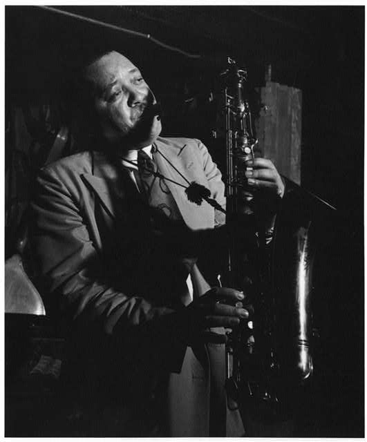 Photo of saxophonist Lester Young