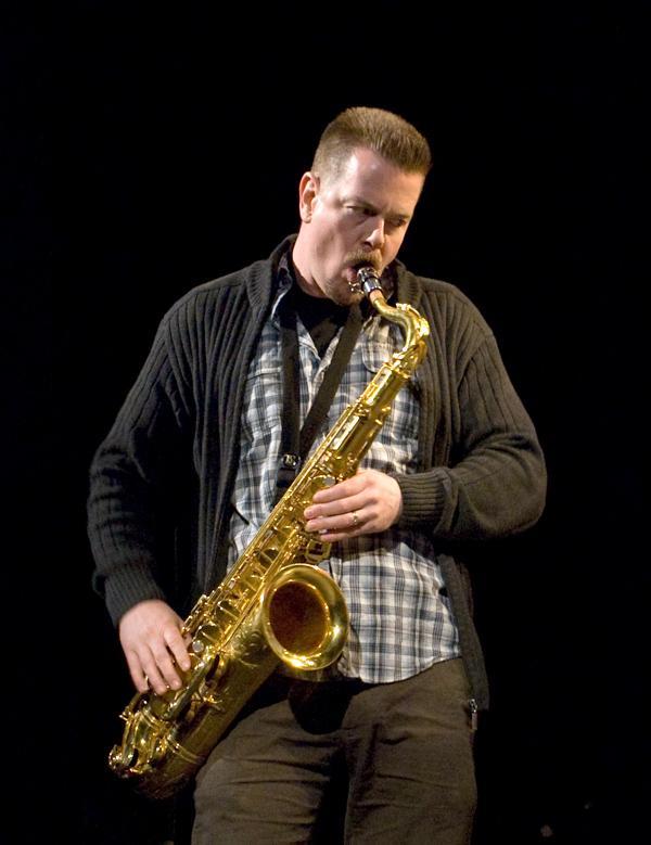 Photo of jazz artist Ken Vandermark