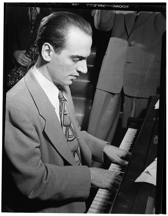 Lennie Tristano in New York City, 1947.  (Photo by William Gottlieb)